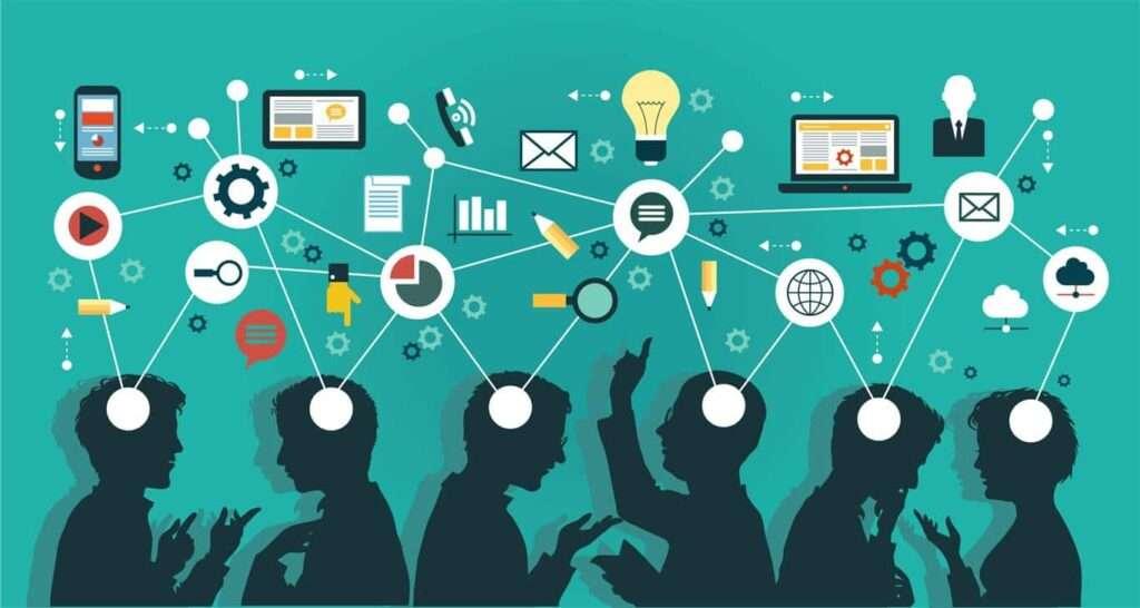 Comunicación entre un grupo de personas utilizando diferentes dispositivo